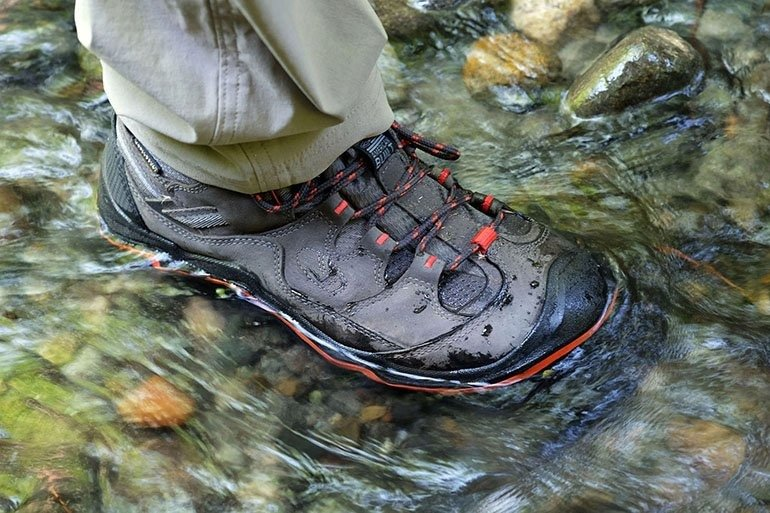 Waterproofing and waterproof membrane of your mountain shoes