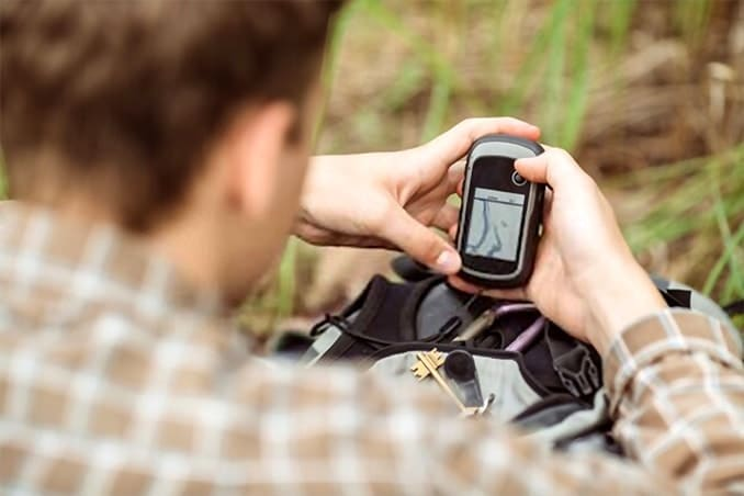 How to use a hiking GPS