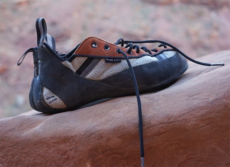 Lace-up climbing shoes
