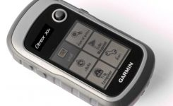 Review of the Garmin eTrex 30x Hiking GPS